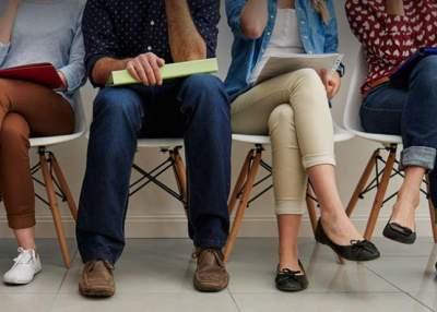 Ульяна Супрун рассказала, вредно ли сидеть со скрещенными ногами