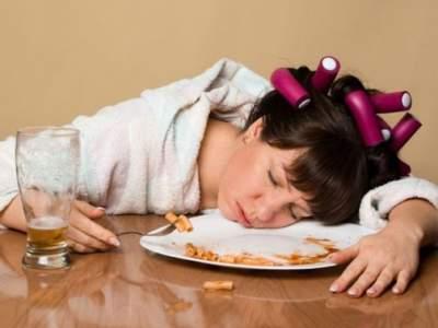 Медики перечислили продукты, вызывающие усталость