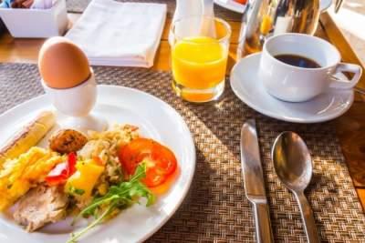 Врачи назвали последствия отказа от завтрака