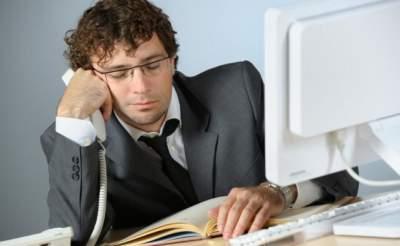 Врачи назвали проблемы, возникающие из-за работы за компьютером