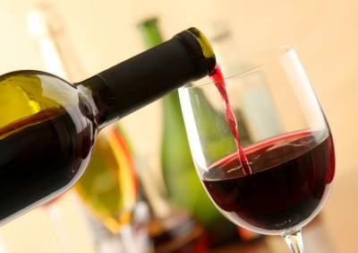 Названа польза вина для женской фигуры
