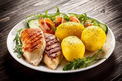 Диетологи подсказали, можно ли есть картофель при похудении