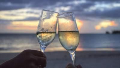 Медики опровергли некоторые утверждения о пользе вина