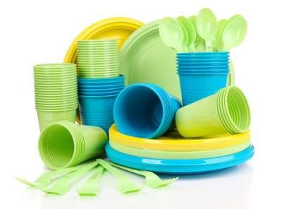 Названы продукты, не подходящие для хранения в пластике