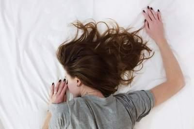 Медики поделились советами, помогающими лучше высыпаться