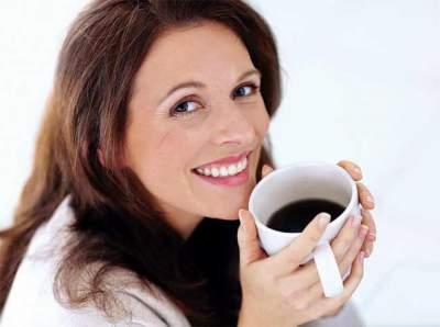 Стоматологи назвали напиток, разрушающий зубную эмаль