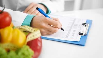 Диетологи назвали продукты, помогающие похудеть