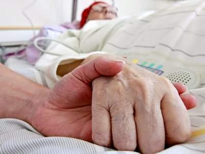 Британку парализовало после заболевания бронхитом