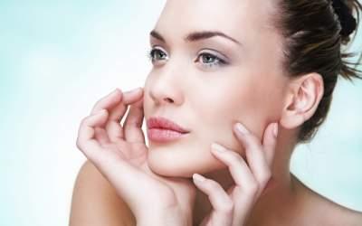 Дерматологи рассказали, чем опасен мезороллер для кожи лица
