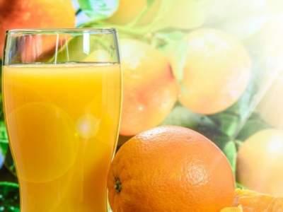Апельсиновый сок признали средством для нормализации давления