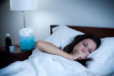 Медики назвали причины ночного кашля