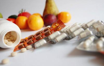 Медики рассказали, какие витамины опасно принимать одновременно