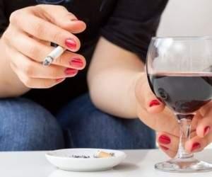 Медики подсказали, с чем не стоит сочетать алкоголь