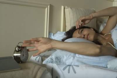 Медики объяснили, к чему приводит долгий сон на выходных