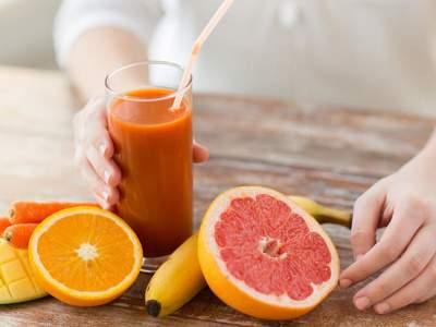 Медики рассказали, чем опасна соковая диета