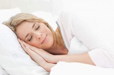 Врач назвала три фактора здорового сна