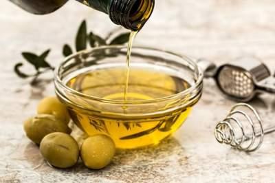 Диетолог поделилась советами по выбору полезного масла