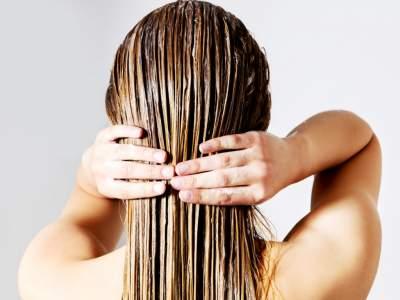 Названы продукты, которые питают и лечат волосы