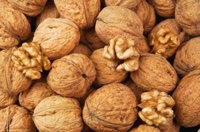 Этот вид орехов улучшает память и работу сердца