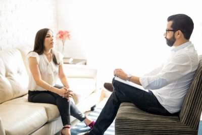 Врачи рассказали, кому и зачем нужно идти к психологу