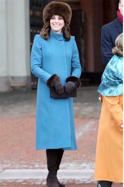 Кейт Миддлтон в том же пальто в прошлом году