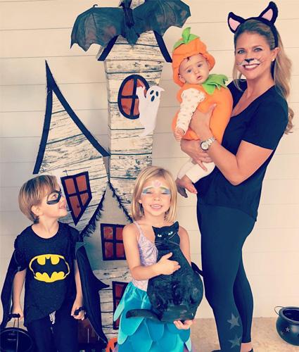 Принцесса Мадлен с детьми