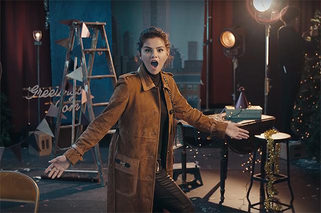 Селена Гомес снялась в новогодней рекламной кампании Coach