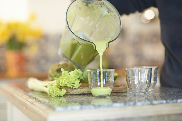 Почему звезды обожают сок сельдерея — отвечает диетолог