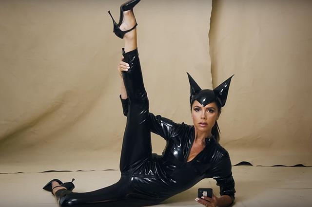 Виктория Бекхэм высмеяла себя в съемке Vogue: видео