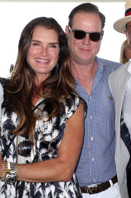 Брук Шилдс с мужем Крисом Хенчи