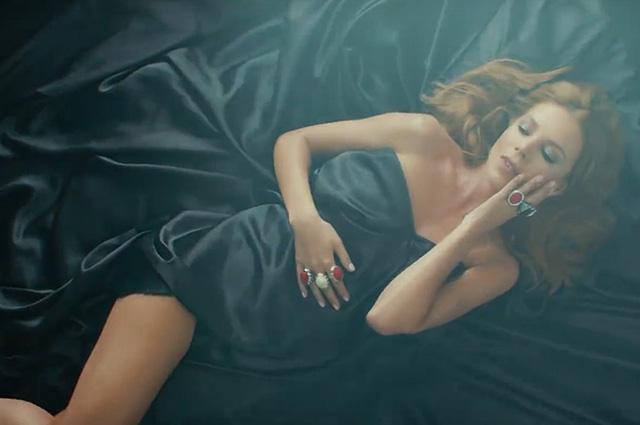 Наталья Подольская в кадре из видео