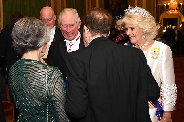 Кейт Миддлтон в тиаре и серьгах принцессы Дианы посетила вечерний прием в Букингемском дворце
