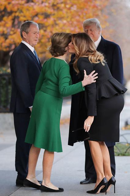 Лора и Джордж Буш, Мелания и Дональд Трамп
