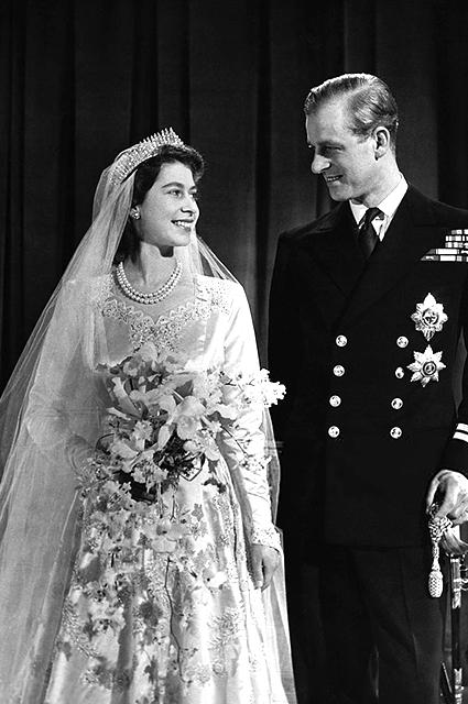 Королева Елизавета II и принц Филипп в день свадьбы