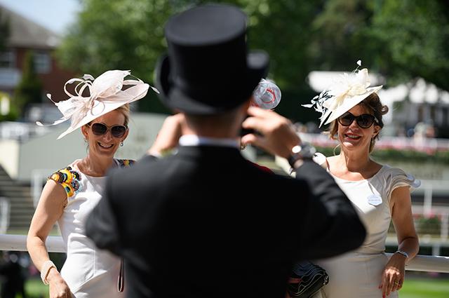Безумный Шляпник одобрил бы: самые яркие образы со скачек Royal Ascot 2018