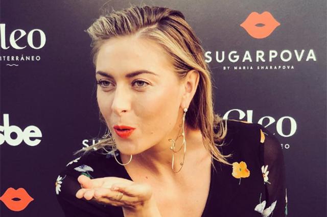 Мария Шарапова вернулась к светской жизни после веселого отпуска и посетила презентацию в Голливуде