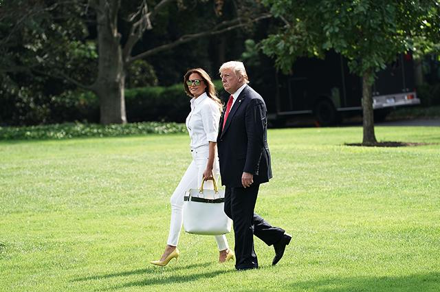 Белый – хит сезона: Мелания Трамп в элегантном образе