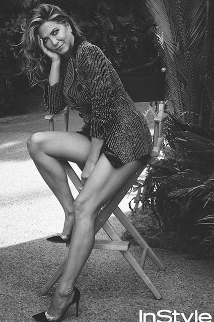 Дженнифер Энистон снялась в новой соблазнительной фотосессии и дала откровенное интервью