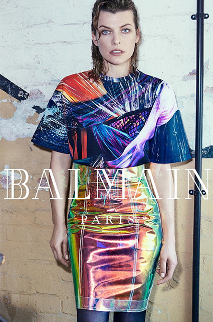Новый логотип Burberry, «космическая» Милла Йовович и перемены в Vogue: что еще обсуждали в моде на этой неделе