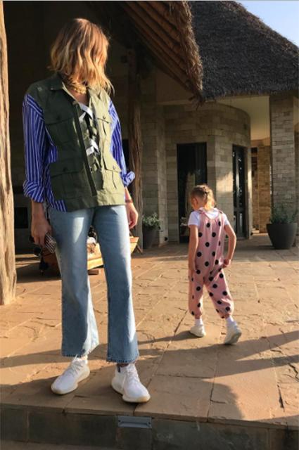 Елена Перминова с мужем и детьми отдыхает в Кении: фото и видео