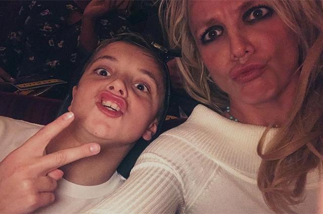 Назло скандалам с опекой и алиментами Бритни Спирс отлично проводит время с детьми в Берлине