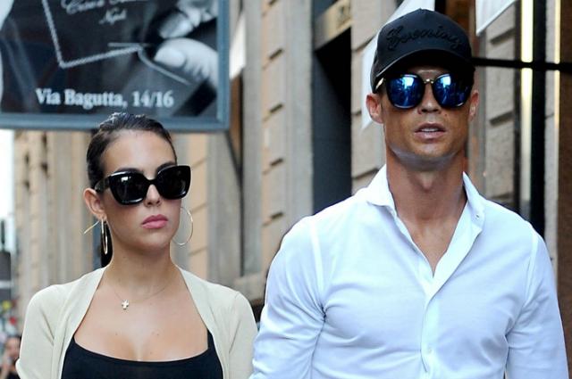 Итальянская жизнь Криштиану Роналду и Джорджины Родригес: папарацци подловили пару на шопинге в Милане