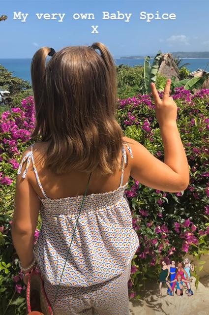 Каникулы продолжаются: Виктория Бекхэм делится новыми семейными фото с отдыха