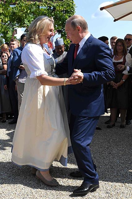 Владимир Путин повеселился на свадьбе у главы МИДа Австрии