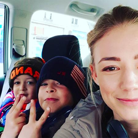 Оксана Акиньшина с Костей и Филиппом