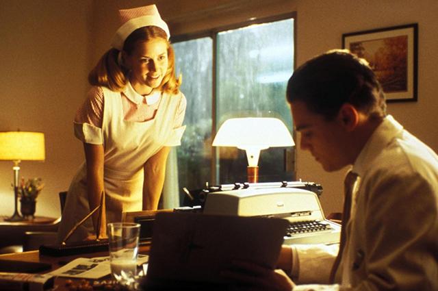 """Эми Адамс и Леонардо ДиКаприо. Кадр из фильма """"Поймай меня, если сможешь"""""""