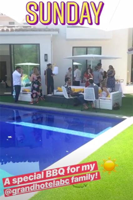 Ленивое воскресенье: Ева Лонгория устроила вечеринку у бассейна в Лос-Анджелесе