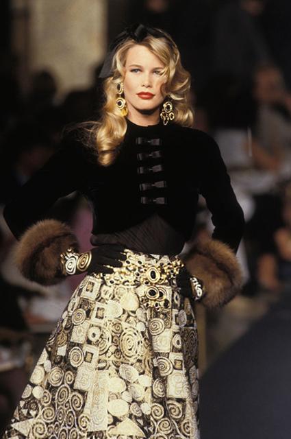 Valentino Haute Couture сезона осень/зима-1992/1993