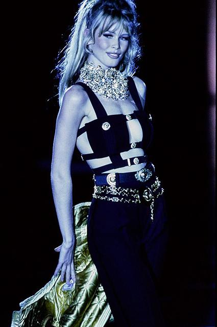 Versace прет-а-порте сезона осень/зима-1992/1993