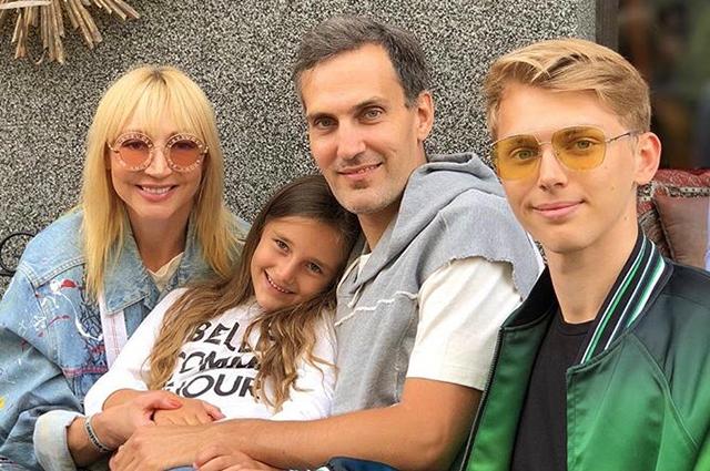 Кристина Орбакайте с мужем и детьми гостит у Аллы Пугачевой в Юрмале